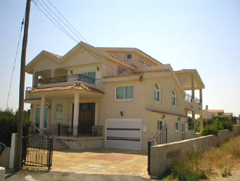 Detached house in Paralimni cyprus